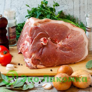 Свиной окорок на кости, 1 кг